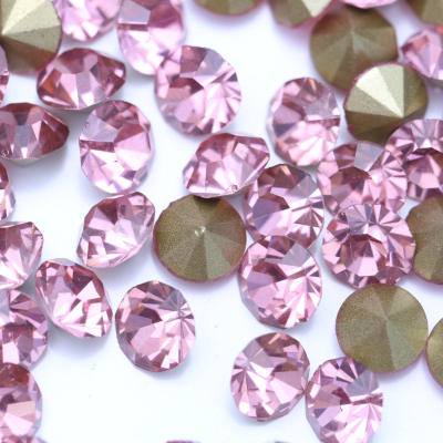 Pink pointback glass chatons